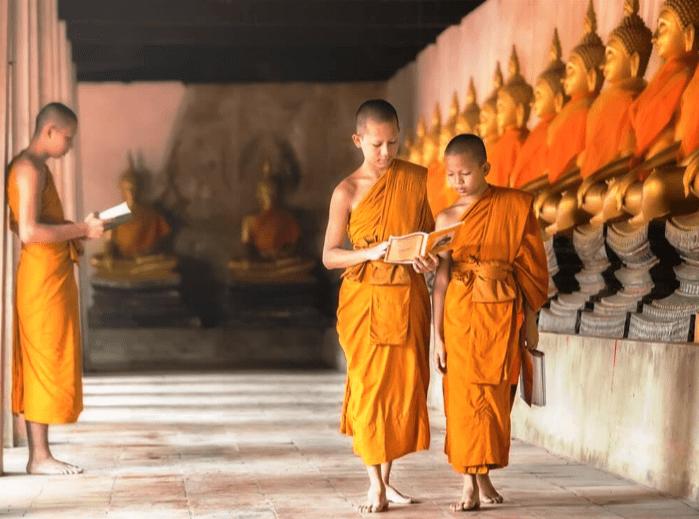 Mengulik Kehidupan Bhikku Dan Bhikkuni Dan Ajarannya